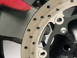 cleaning brake disc's swept surface